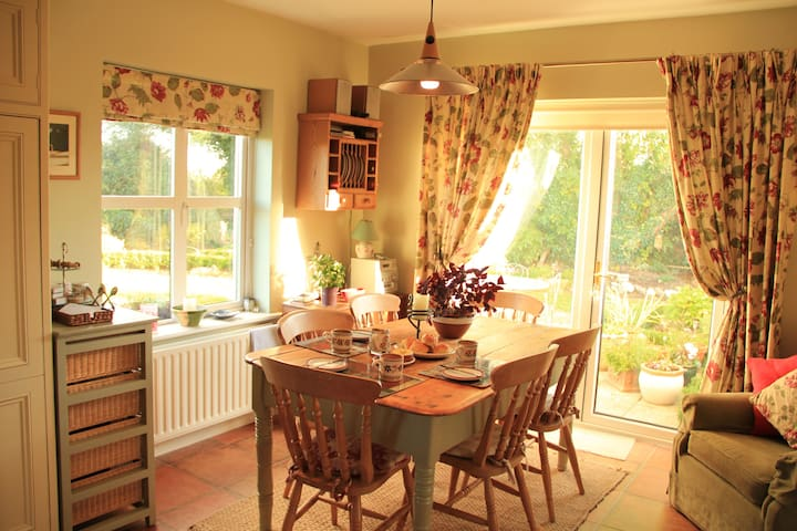 Warm, homely with a great welcome - Kilcolgan - Hus