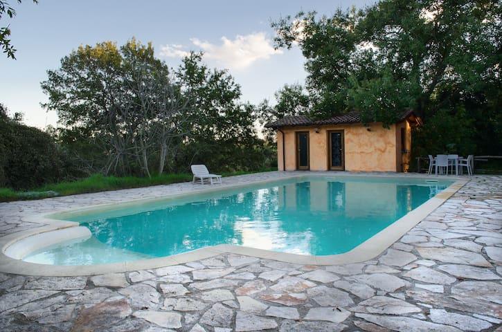 Villa in campagna con parcheggio  - Rome - Villa