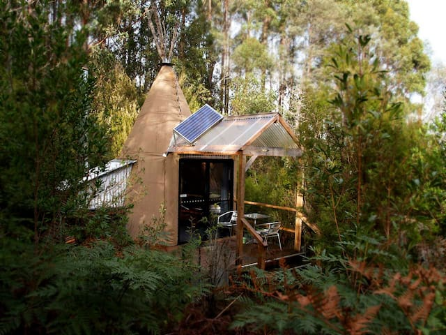 Deluxe Tipees near Hobart - Huonville