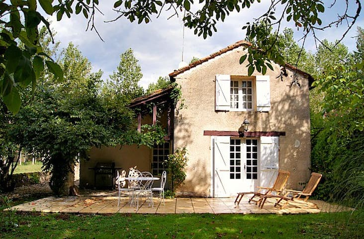 Cosy Cottage for Couples, edge of Ancient Village - Monpazier - Ev