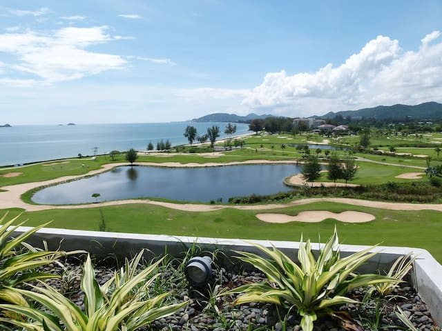 Spectacular Seaview - Luxury Condo for Longstayers - Nong Kae