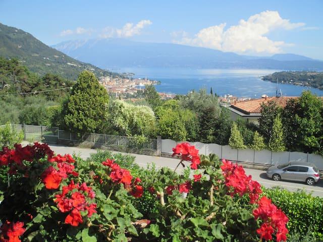 Room with stunning lake view - Salò