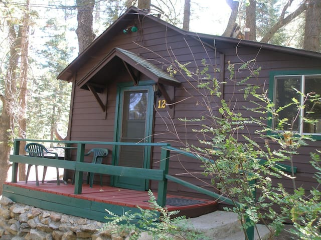 Cabin #12   For Two Guests - Angelus Oaks - Stuga