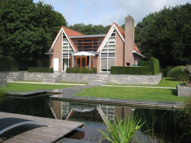 Moderne en ruime villa in Friesland - Oudemirdum - 別墅