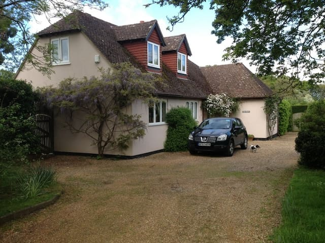 Home from Home - Hadlow