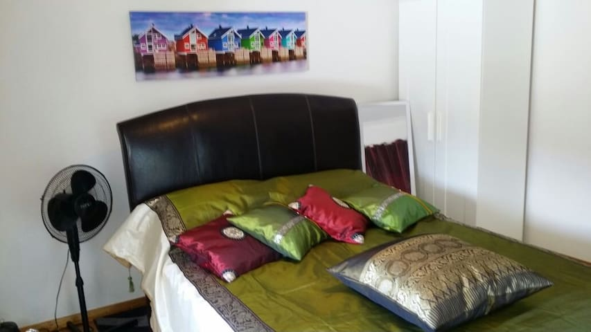 The Entrance Retreat & Relaxation - The Entrance - Bed & Breakfast