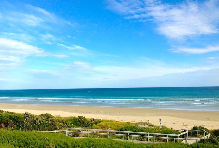 PromCoast Apt 3 Pristine Beach 100m - Sandy Point - Daire