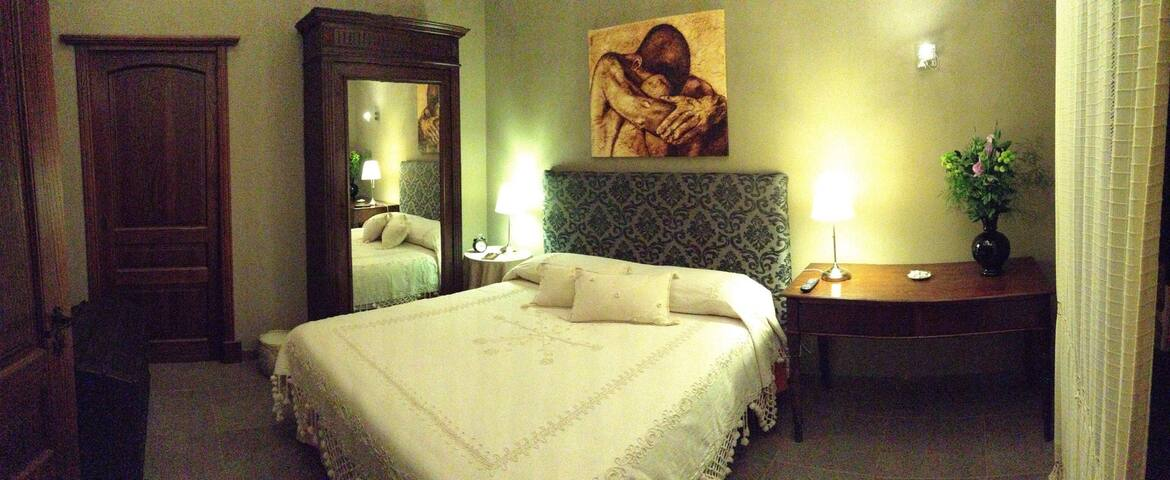 Charme Living Santa Pau - Licodia Eubea - Bed & Breakfast