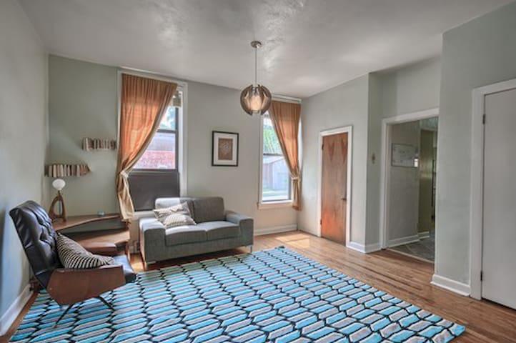 Modern loft-style home by Cherokee - St. Louis - Ev