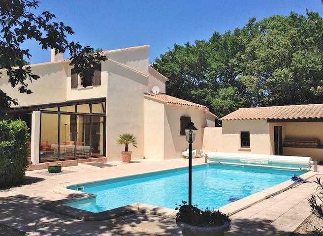Belle villa provençale de charme - Rochefort-du-Gard - 別荘