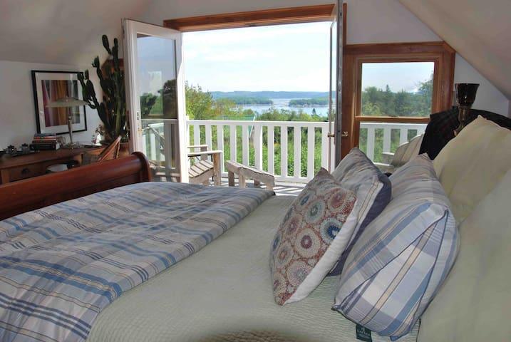 LARGE Coastal Cottage in bucolic seaside village - Castine - Casa