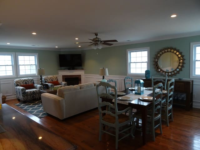 A Home 'The Hamptons' Would Envy - Seaside Heights - Hus