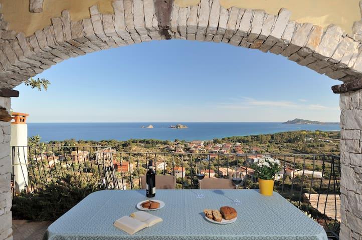 Apartment terrace with sea view - Santa Maria Navarrese - Leilighet