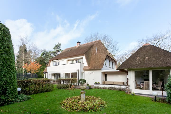 Family Villa for Holidays  - Apeldoorn - Hus