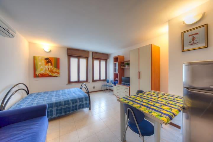 """Casa per turisti  """"Alloggio 2a"""" - verona - Appartement"""