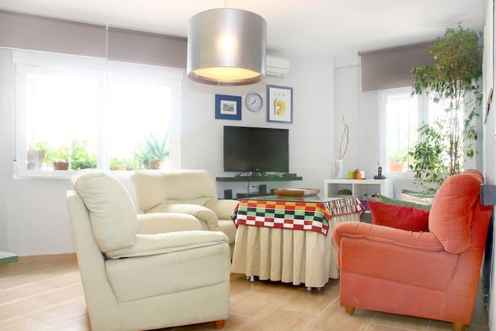 Centric apartment, with air-condion and parking. - Córdoba - Leilighet