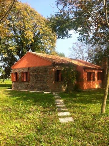 Chalet in pietra - Correzzola - Huis