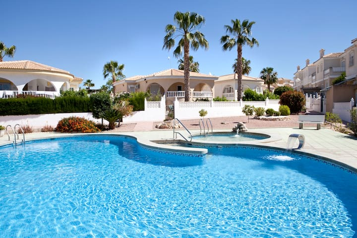 HOLIDAY VILLA, COSTA BLANCA SPAIN - Benijófar