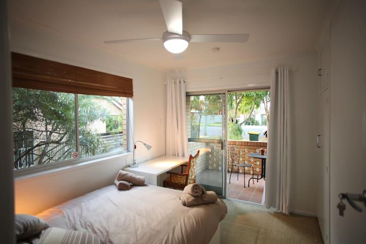 Herston - Double Bedroom - Room 5 - Herston - 一軒家