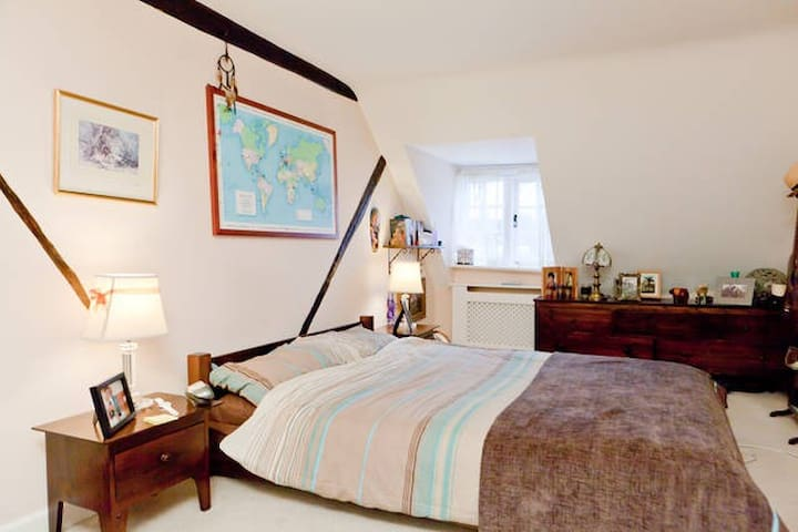 Room (or 2) in Historic Town House  - Westerham - Дом