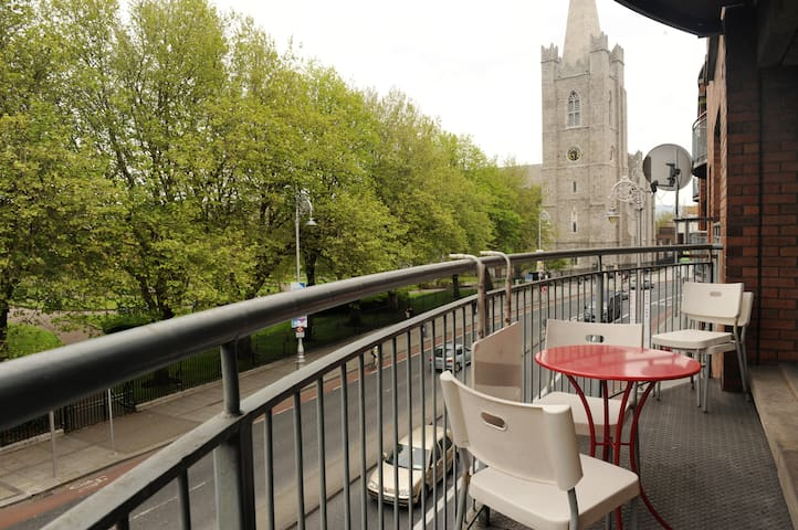 Perfect Location City Centre Apartment - Dublin 8 - Apartmen
