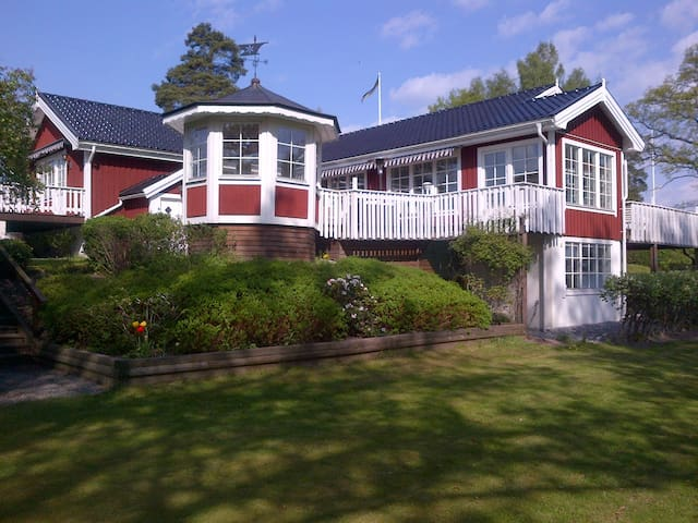 Unique Seafront Villa in Stockholm - Osterskar - Maison