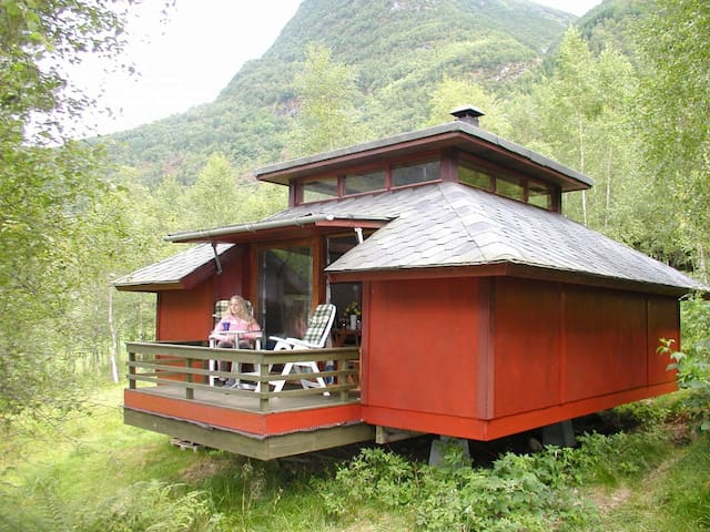 Cosy cabin by the Sognefjord (Cabin #1) - Balestrand