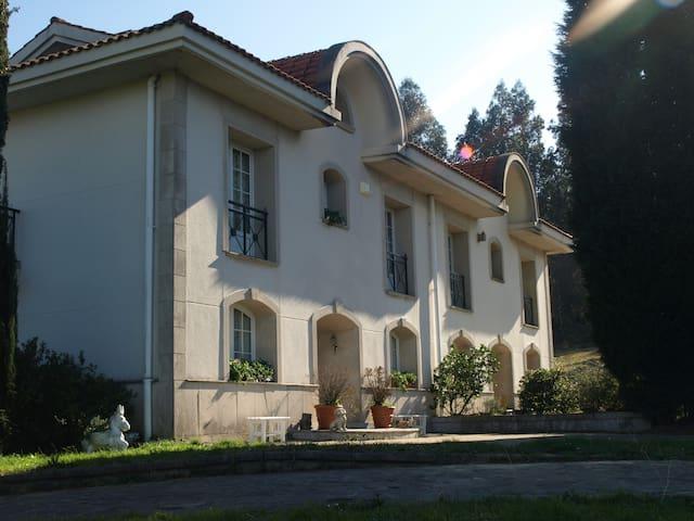 LASAILEKU-Habitacion- relajante-2 - Bilbao