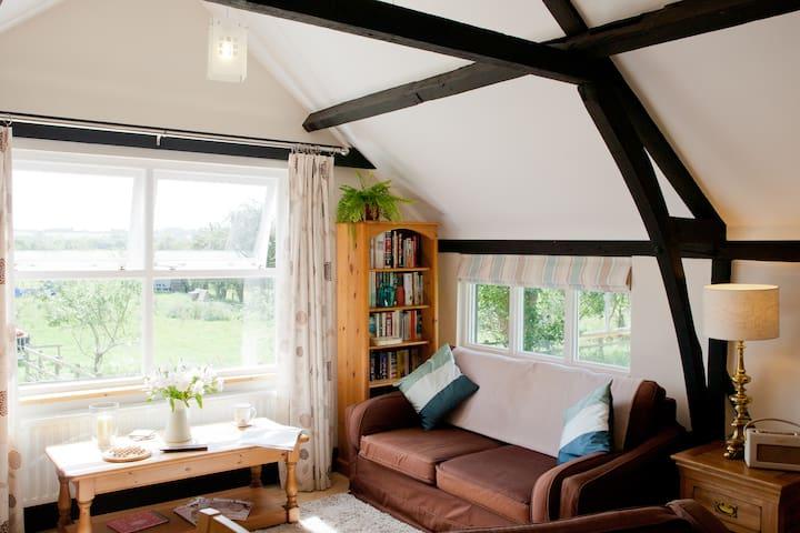 Idyllic Oxfordshire Village Barn - Long Wittenham - Appartement