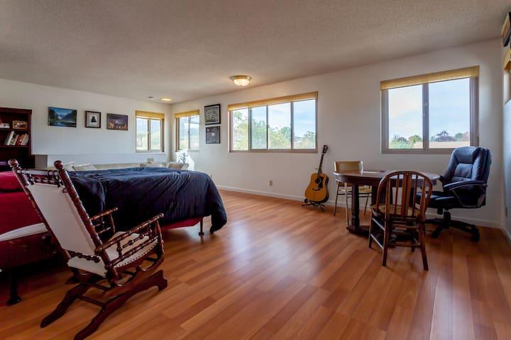 Spacious Slo Studio: AirBnB Dream - San Luis Obispo - House