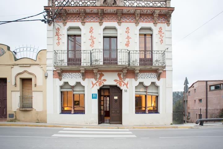Hostal  CAL PLA    modernista 1903  - Sant Llorenç Savall - Annat