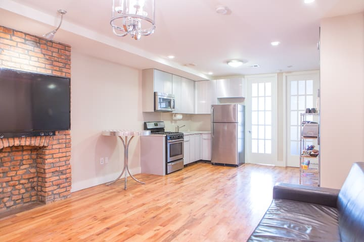 Modern, Well-Appointed Room in NYC! - Brooklyn - Appartamento