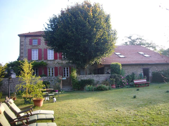 les 7 semaines (5 couchages) - tain l'hermitage - Bed & Breakfast