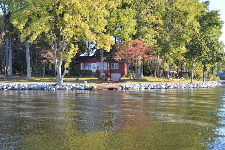 Big Water, Cozy Lake Cottage at LKN - Denver - Huis