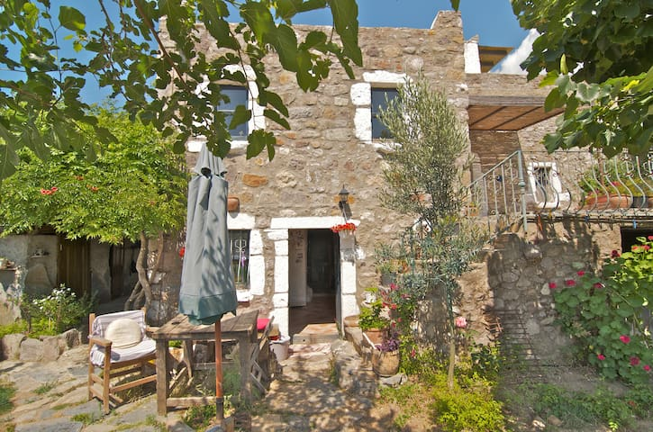 Stay in a Historical Stone House  - Bodrum - Casa