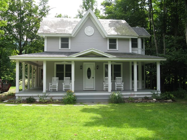 Vermont-Style Rural Relaxation - Rupert - Hus
