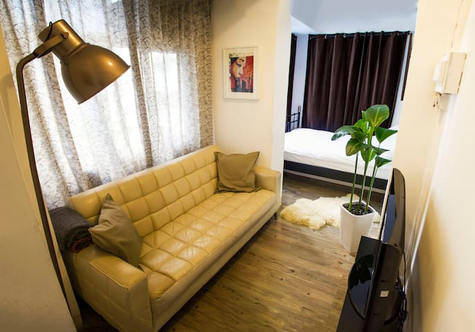 Cosy SOHO Studio in Central HK - IDEAL LOCATION - Hongkong - Wohnung
