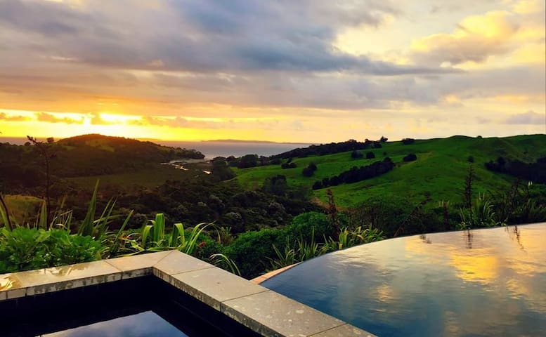 Te Muri Ridge Luxury Accommodation - Mahurangi West - Apartamento