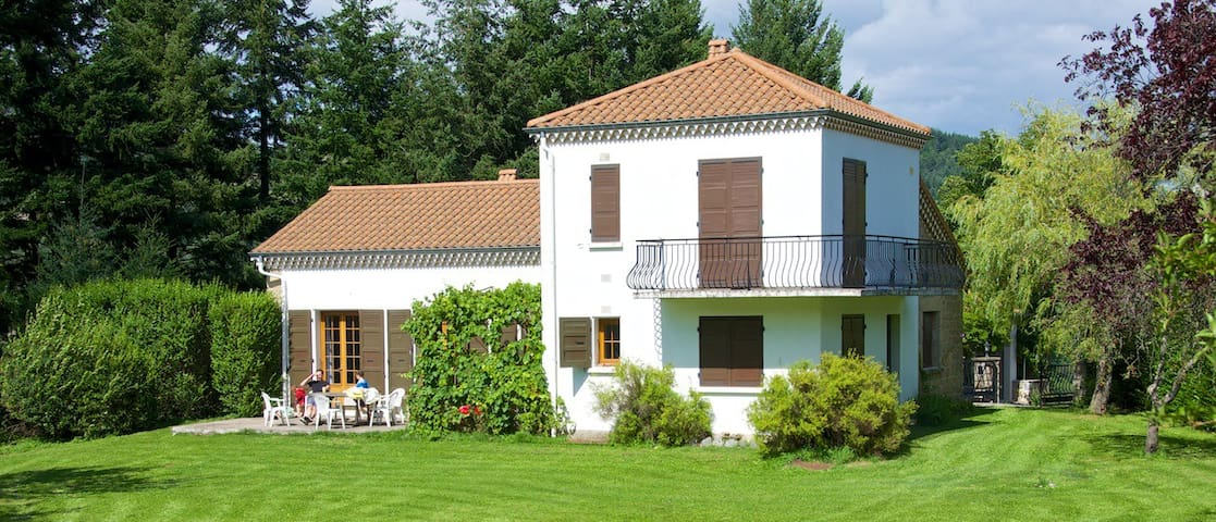 Beautiful home in the Ardeche - Accons - Huis