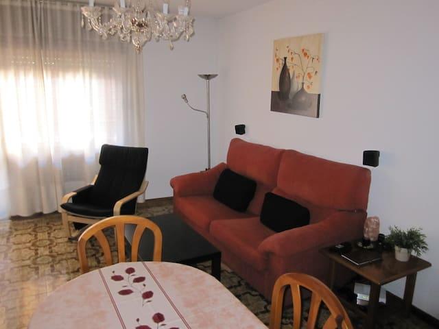 Quiet and spacious room - Torrejón de Ardoz - Leilighet
