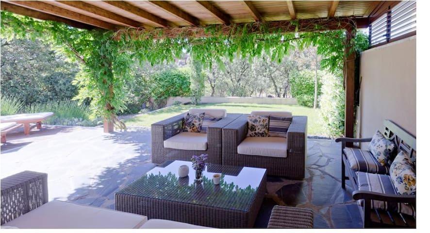 Luxury villa in Madrid Sierra - Torrelodones - Дом