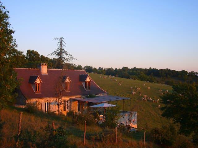 Fully Equipped Restored Farmhouse - Labastide-Murat - Hus