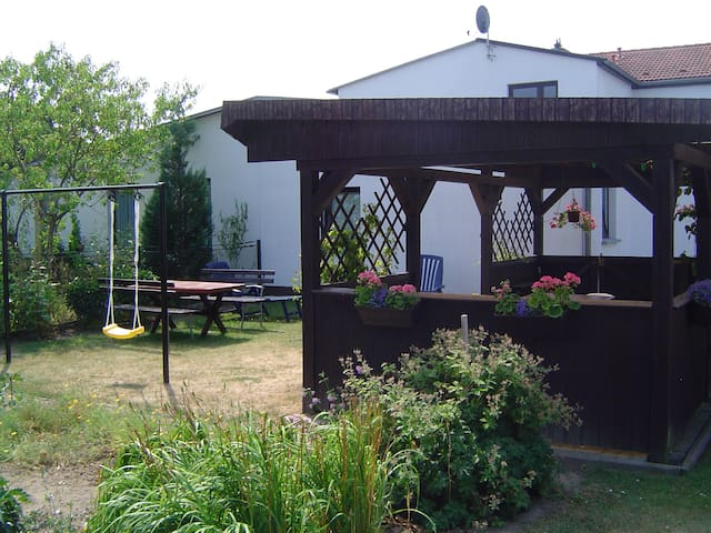 Ferienhaus mit Garten an der Ostsee - Rerik - Huis