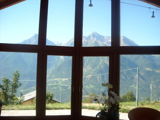 House with a View - Morgonaz