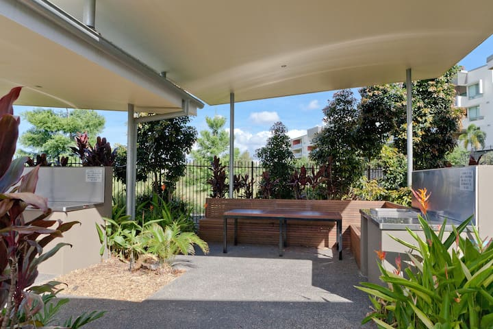 Modern townhouse with pool and gym - Sherwood - Ev