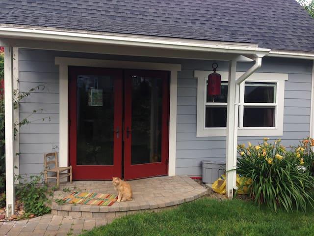 Sellwood Luxury Studio Home - Portland - Pension
