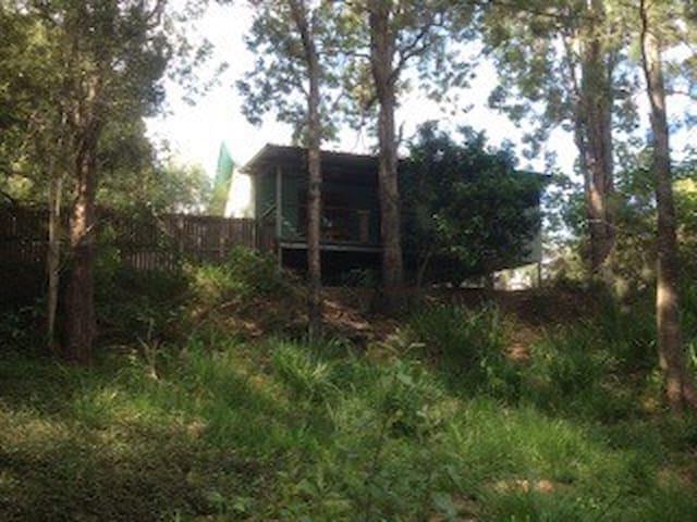Daley's  - Millstream - Houten huisje