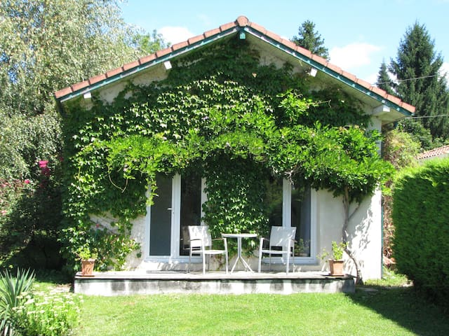 STUDIO tout confort dans Pyrénées - Ore - Huis