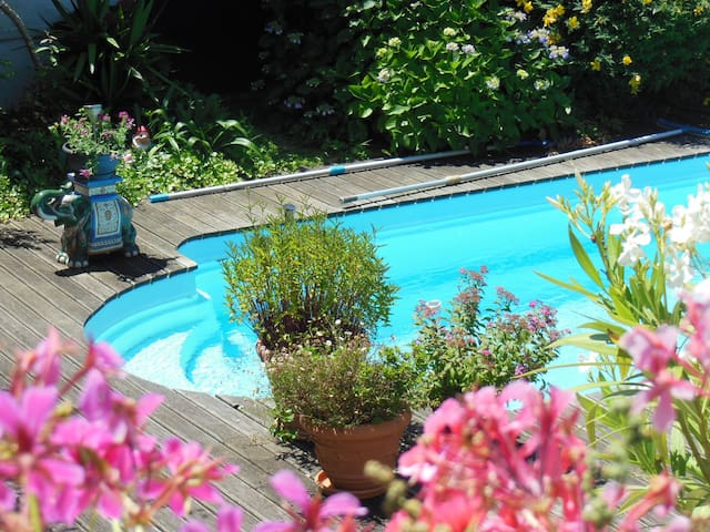 Charmante chambre Biarritz piscine - Biarritz - House