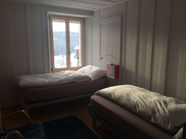 Verso - La Côte-aux-Fées - Bed & Breakfast